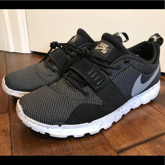ad59c5dd776e Nike SB Trainerendor 616575-010 men s size 10. M 5bafee722beb79035637d718